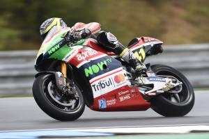 Espargaro calls for rule change after 'scary' Iannone incident