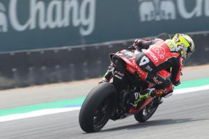 Bautista pushes clear of Rea in Thailand