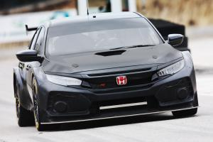 Honda's 2018 BTCC challenger makes test debut