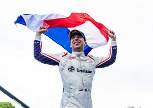 Frijns takes maiden Formula E win in rain-hit Paris E-Prix