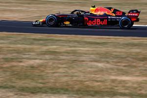 Verstappen brushes off Silverstone FP2 crash