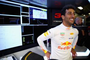 Ricciardo on Singapore GP: 'About time I won the damn thing'
