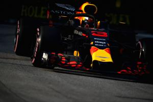 Ricciardo leads Verstappen as Red Bull impress in FP1