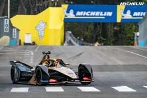 Lotterer takes first Formula E pole at Rome E-Prix