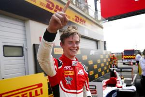 Ferrari F1 junior Ilott holds off Piquet for maiden GP3 win
