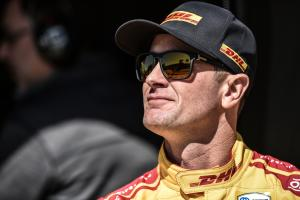 Ryan Hunter-Reay quickest in second practice