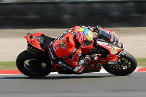 Brookes leads O'Halloran, Ducatis in Donington FP3