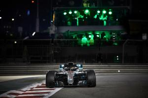 Hamilton grabs Abu Dhabi pole, Mercedes locks out front row