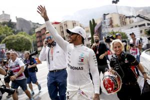 Hamilton dedicates 'one of his best' F1 poles to Lauda