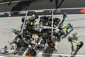 F1 Race Analysis: How Hamilton made Mercedes' strategy gamble work