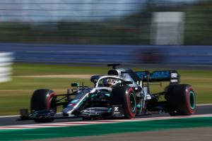 "Mercedes: Two-stopping Hamilton was ""50-50 call"""