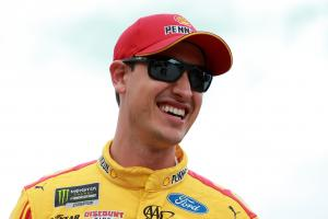 Logano rises to the fore in Stage 2 at Vegas