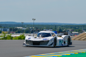 Hydrogen-powered prototype to complete Le Mans demo