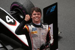 de Vries seals Formula 2 title with measured Russia win