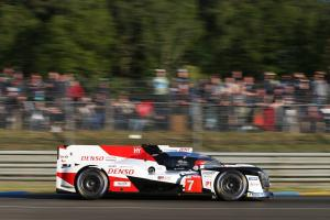 Conway forges early lead in opening hour at Le Mans