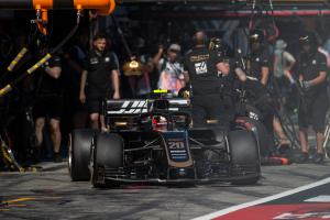 Grosjean and Magnussen would back F1 refuelling return