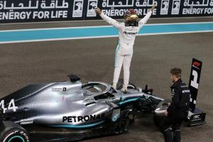 Hamilton wanted to be 'pitch-perfect' in Abu Dhabi domination