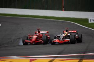 Hamilton: Spa 2008 'a lot different' to Vettel's Canada penalty