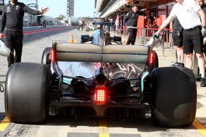 F1 cars to use rear endplate rain lights from 2019