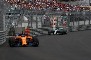 Alonso feels end of Mercedes' F1 dominance is 'near'