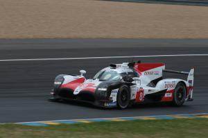 Toyota, Alonso close in on Le Mans victory