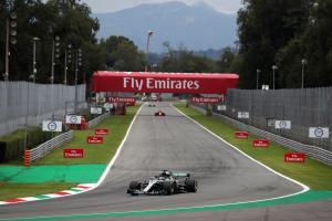 Hamilton: Mercedes can see deficits to Ferrari