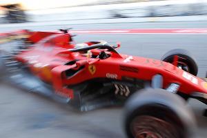 Ferrari already looks 'ultra strong' in F1 testing - Wolff