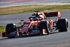 Vettel lowers pace for Ferrari on final morning of F1 testing
