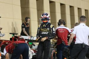 Grosjean handed three-place grid drop for Norris block