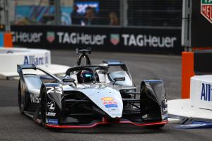 Buemi dominates to pole in New York Formula E opener