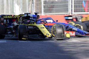 Ricciardo feared Renault response to Baku reverse crash