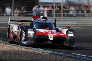 Kobayashi quickest for Toyota in Le Mans warm up