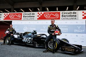 Haas joins Alfa Romeo with pitlane launch for 2020 F1 car