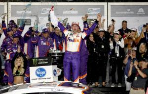 Hamlin breaks drought with Daytona 500 triumph
