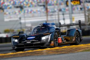 Van der Zande takes Rolex 24 pole, Alonso qualifies 13th