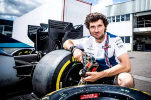 Guy Martin joins Williams F1 pit crew for Belgian GP