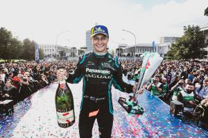 Evans signs new long-term Jaguar Formula E deal