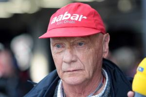 Lauda to take up Mercedes role