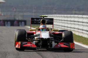 Karthikeyan allowed to race in Korea