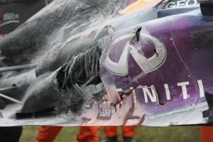 06.10.2013- Race, Mark Webber (AUS) Red Bull Racing RB9 after the crash and the fire