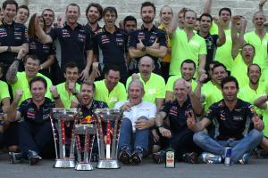 17.11.2013- Race, Celebration, Christian Horner (GBR), Red Bull Racing, Sporting Director and Sebast