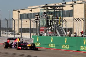 17.11.2013- Race, Sebastian Vettel (GER) Red Bull Racing RB9 race winner