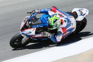 Lowes, Barrier crashes halt second Laguna Seca race