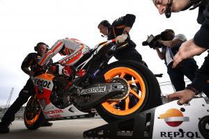 Bridgestone defends asymmetric tyre, will offer again