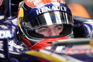 Verstappen eyes Macau success before stepping up