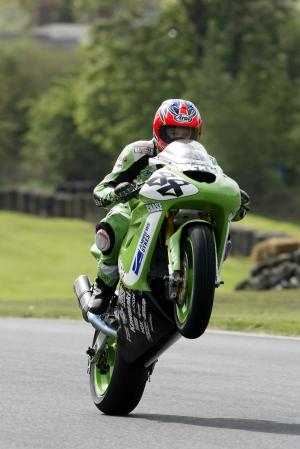 Smart fastest in wet practice at Oulton.