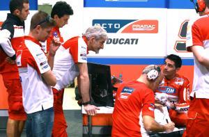 Pirro to debut 2017 Ducati