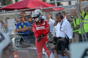 Lauda slams 'crazy' Vettel for 'freaking out' in Hamilton spat