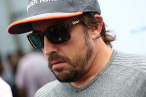 Fernando Alonso 'available' to help Renault after completing F1 seat fit
