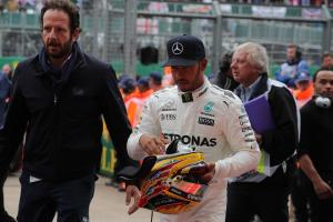 Hamilton cleared over Grosjean block, keeps Silverstone pole